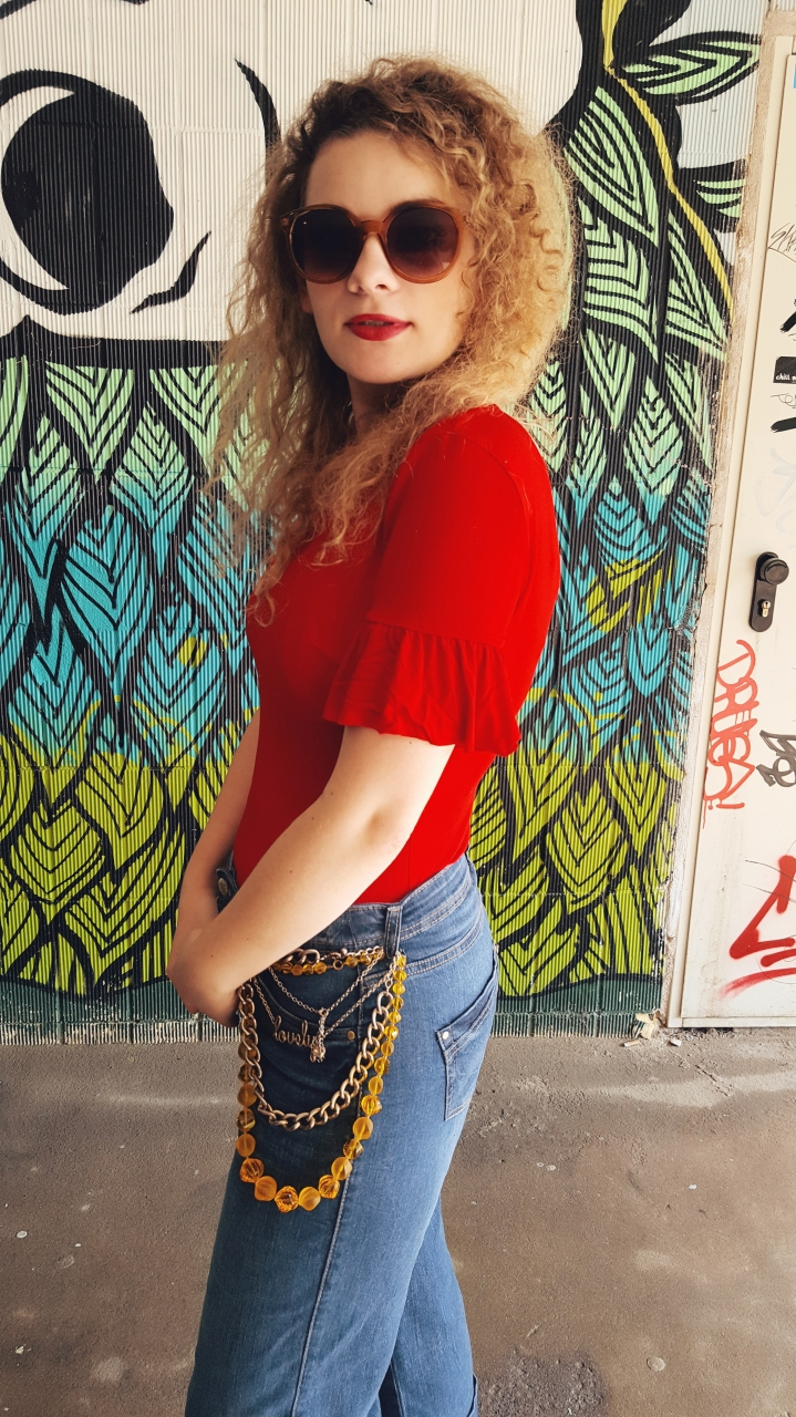 Red //Volant Body mit StatmentJeans